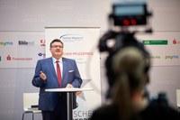 Deutscher Pflegepreis: Würdigung von außergewöhnlichem Engagement in der Pflege in besonderen Zeiten