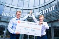 Startup-Idee Pflegekräfte mit digitalem Assistenten zu entlasten gewinnt 100.000 Euro