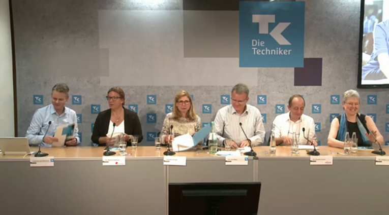 TK-Gesund­heits­re­port 2019: Pfle­ge­be­rufe